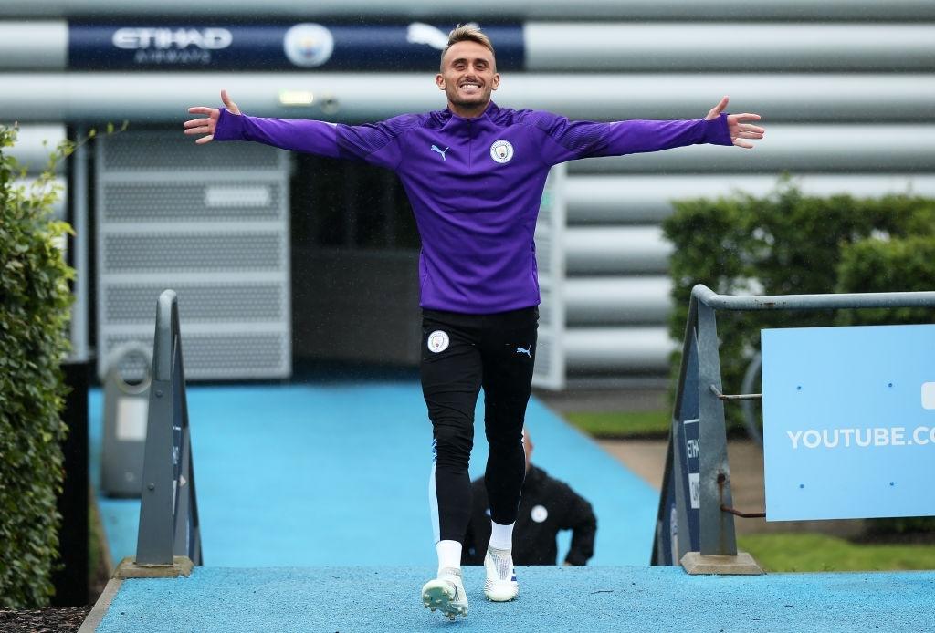Dinamo are pe lista de transferuri un jucător care s-a despărțit recent de Manchester City!
